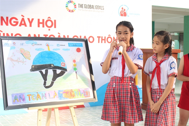 HCM City primary school students participate in road safety event