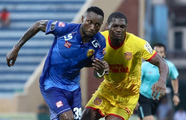 Samson signs two year contract with Thanh Hoá
