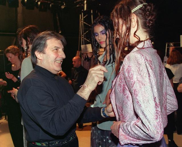 'Sensual obsessive fashion designer Emanuel Ungaro dies