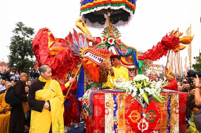 Gyalwang Drukpa visits Việt Nam to bestow blessings