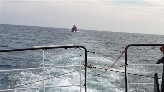 52 fishermen rescued off Đá Bắc Island