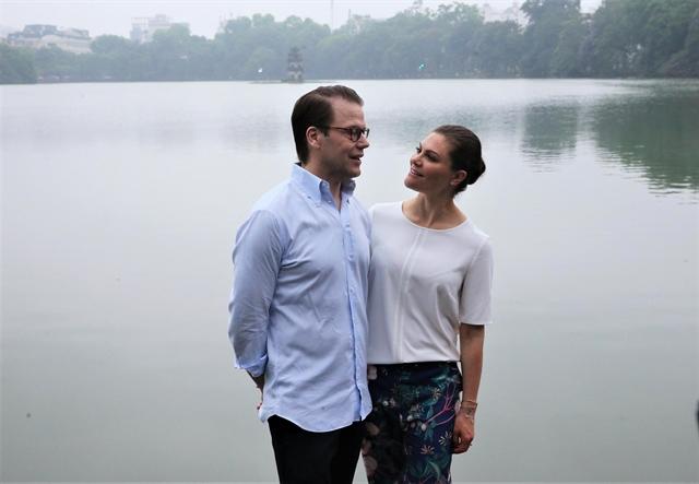 Swedens crown princess Victoria had a taste of peaceful Hà Nội