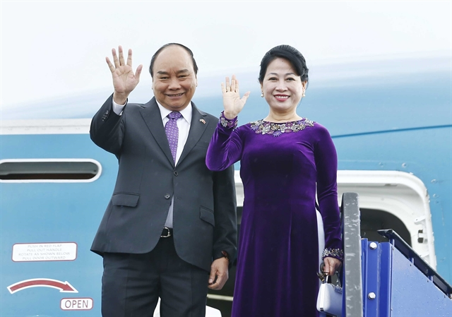 PM Phúc left for ASEAN Summit in Thailand