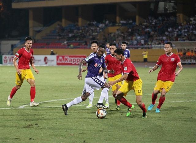 Hà Nội and Bình Dương cruise into quarter-finals of National Cup