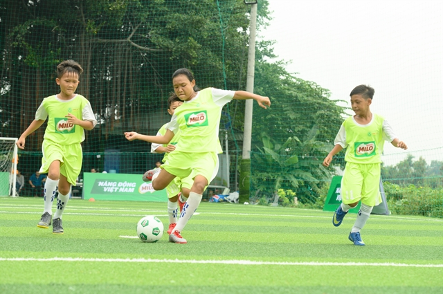 8 young VN football players play in 1st Milo Champions Cup in Spain