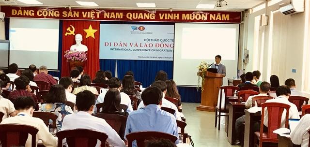 Việt Nam seeks toprotect migrantsrights