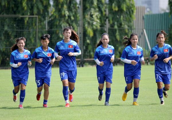 Việt Nam entertain U15 teams in UEFA Assist programme