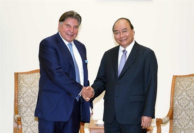 PM Nguyễn Xuân Phúc receives Techtronic Industries chairman