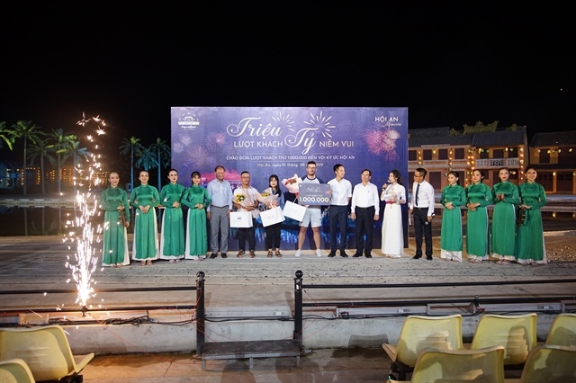 Hội An Memories show hosts the 1 millionth audience