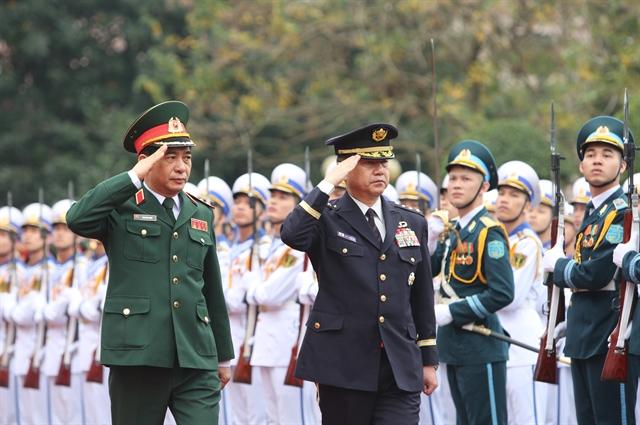 Top Japanese officer visits Việt Nam