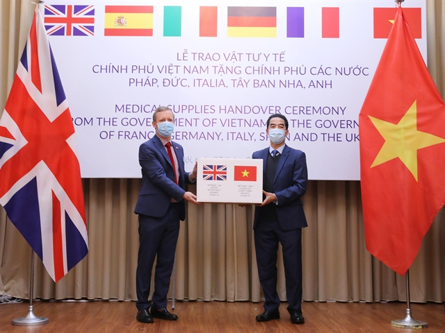 Việt Nam donates 550000 masks to five European countries hit hard by coronavirus