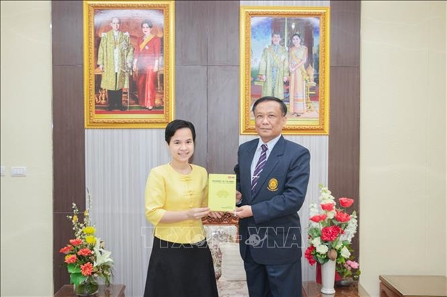 Book about President Hồ Chí Minh released in English