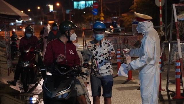 People in Mekong Delta region return to HCM City for work