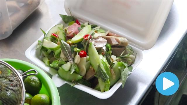 Nom nom Vietnam - Episode 86: Sausage salad