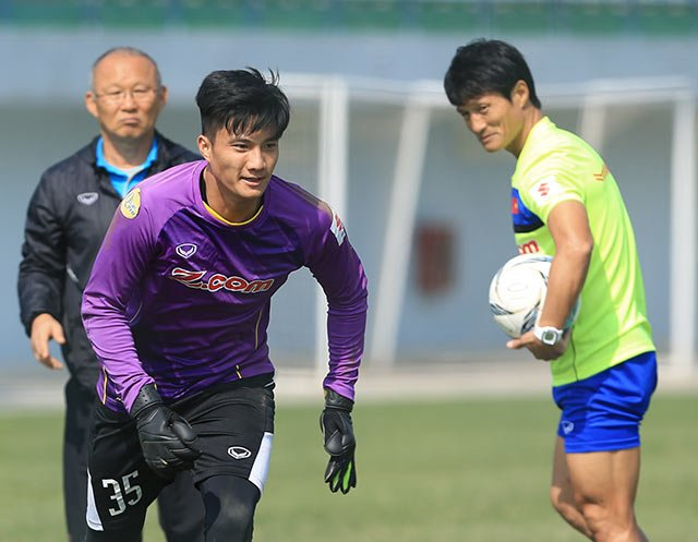 Goalie Hoàng added to Parks World Cup team