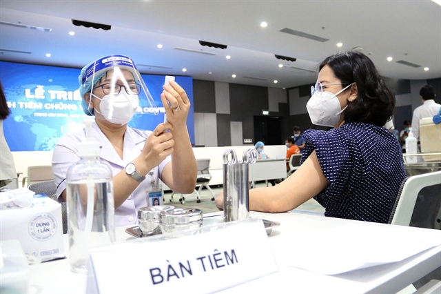 Việt Nam confirms 293 new COVID-19 cases on Saturday