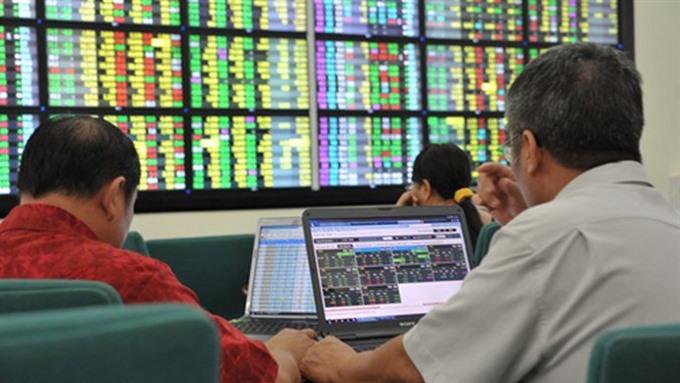 VN-Index hits new 10-year peak