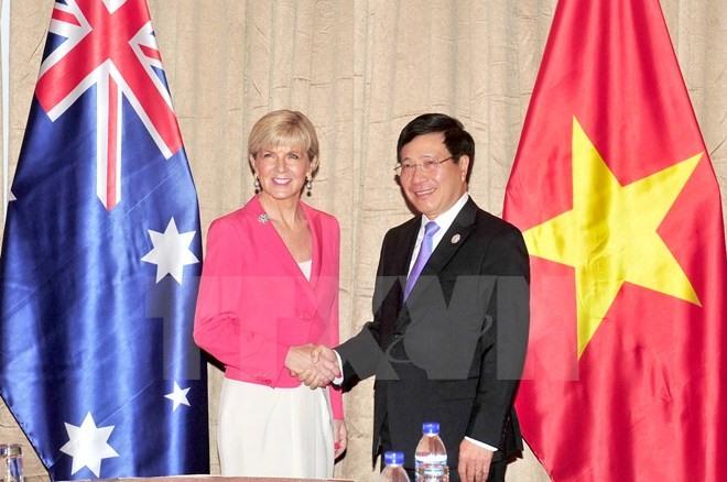 Deputy PM Minh receives Australian FM