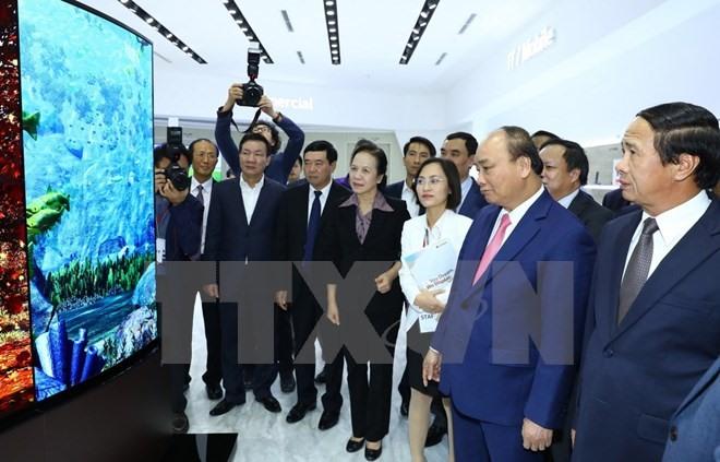 Leaders visit Hải Phòng and Hà Tĩnh