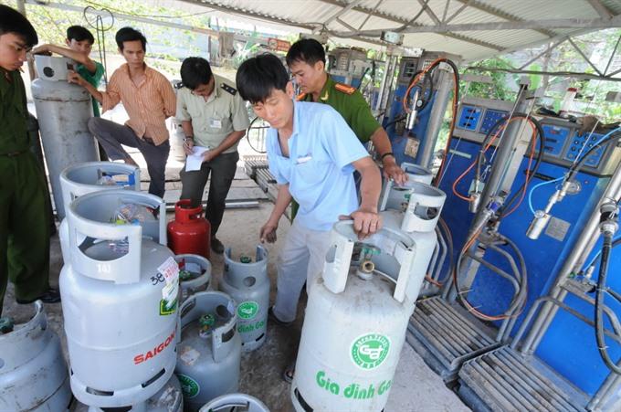 HCMC tackles gas fraud