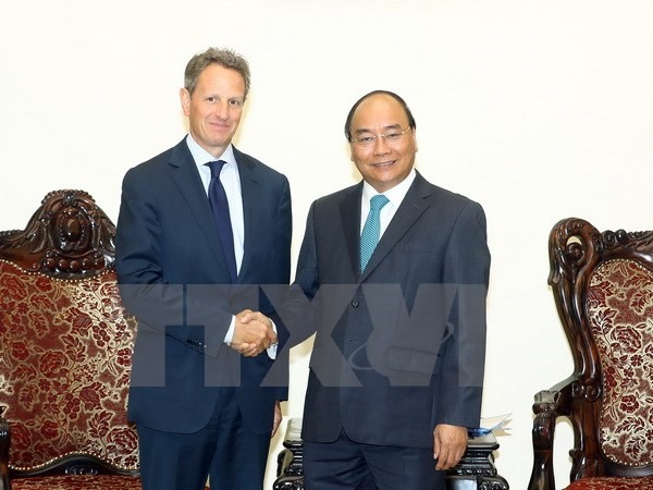PM urges US financial investment in Việt Nam