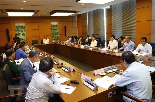 PM discusses socio-economic development with NA deputies