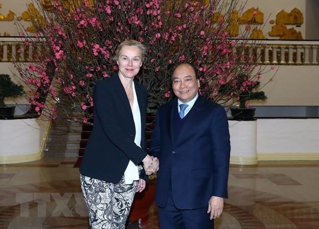 PM urges stronger cooperation with Netherlands