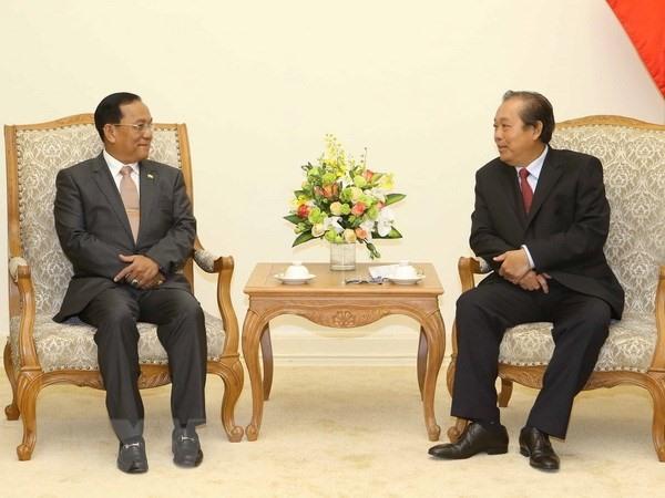 Deputy PM Trương Hòa Bình receives Myanmar border minister
