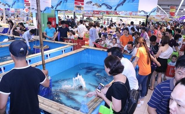 Đà River Fish Week 2018 kicks off at Big C