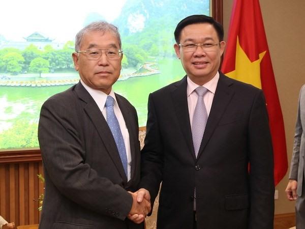 Deputy PM receives Mitsubishi executive VP