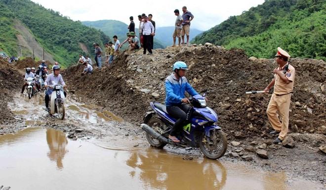 Floods leave 19 dead or missing in northern central provinces