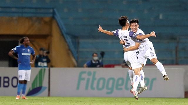 Exhausted after strike drama Quảng Ninh thumped byHà Nội FC