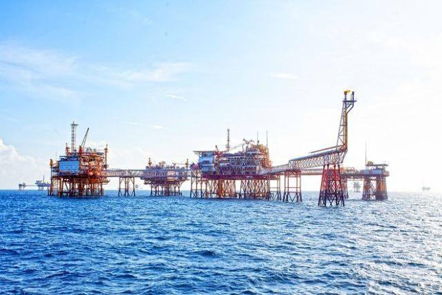 PetroVietnam posts positive revenues despite falling oil prices