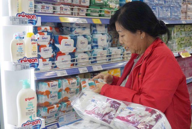 Consumer goods abundant prices stable HCM City supermarkets assure