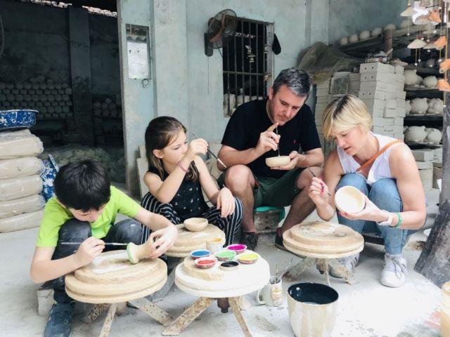 Bát Tràng a star of Hà Nội craft village tourism