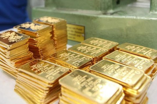 Gold prices slide but further growth expected