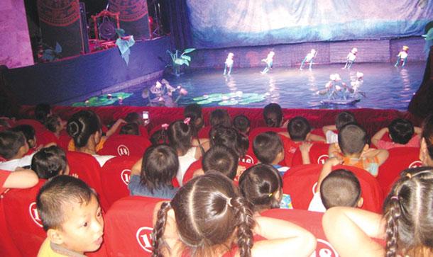 New theatre activities to entertain children