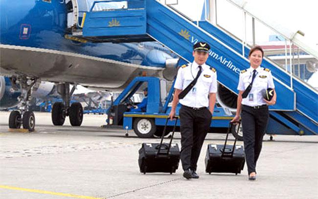 Vietnam Airlines pilots demand pay rise