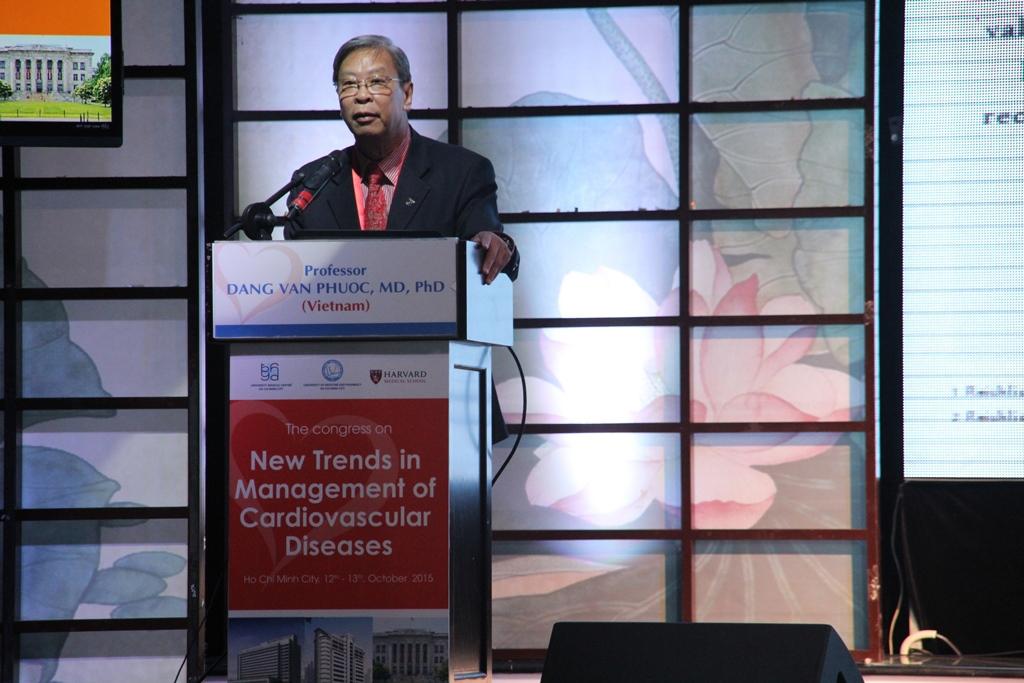 Doctors talk heart disease in HCM City