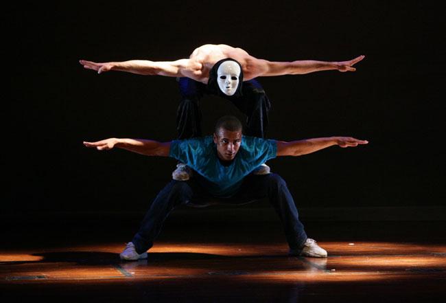 German, VN dancers stage hip-hop show