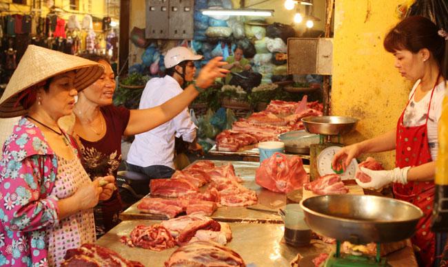 Several Ha Noi markets fail food safety test