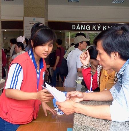 Students help assist hospital patients