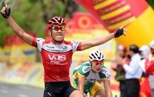 Nhân wins second stage of Tôn Hoa Sen Cup