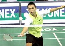 Cường wins mens singles title at national badminton event