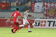 Việt Nam defeat Nepal 2-0 to move on to the knock-out