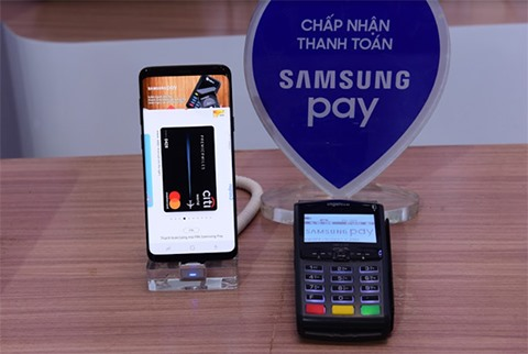 A total of 15 banks and three card switching organisations have joined Samsung Pay mobile's payment network, accounting for 75 per cent of the domestic payment card market.