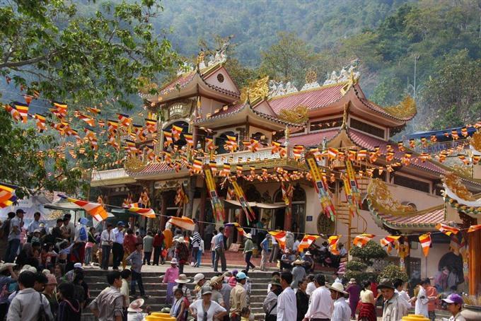 Keo Pagoda Festival celebrates Autumn feast