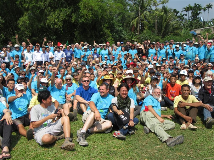 Global volunteers build 20 habitats for poor VN families