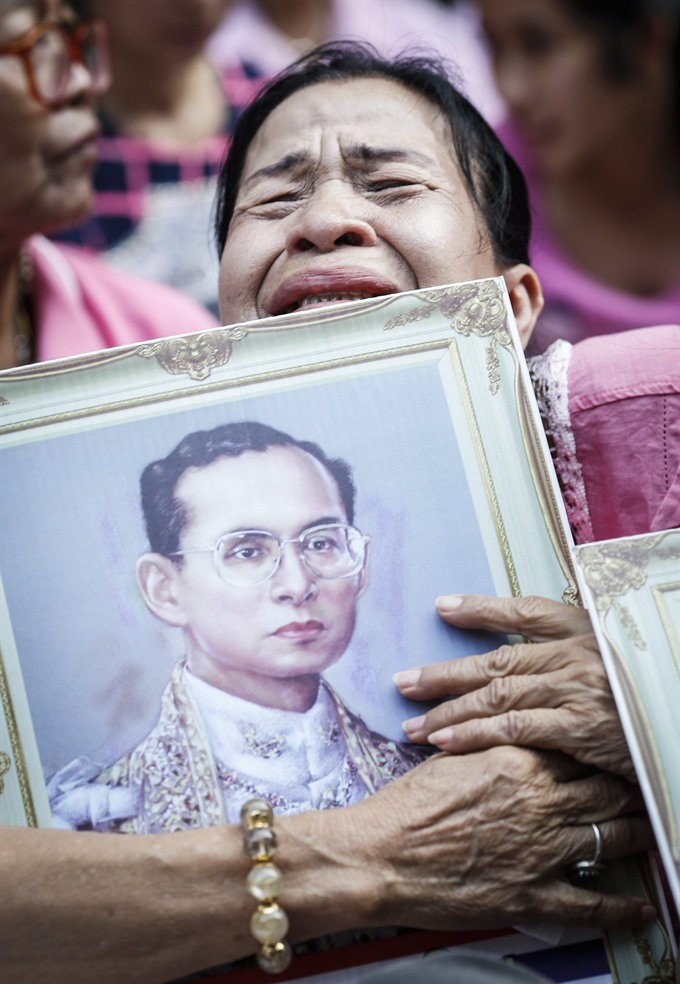 Thailands King Bhumibol Adulyadej passes away; nation plunges into mourning