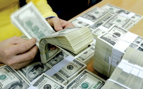 US dollar loans preferred for low capital costs